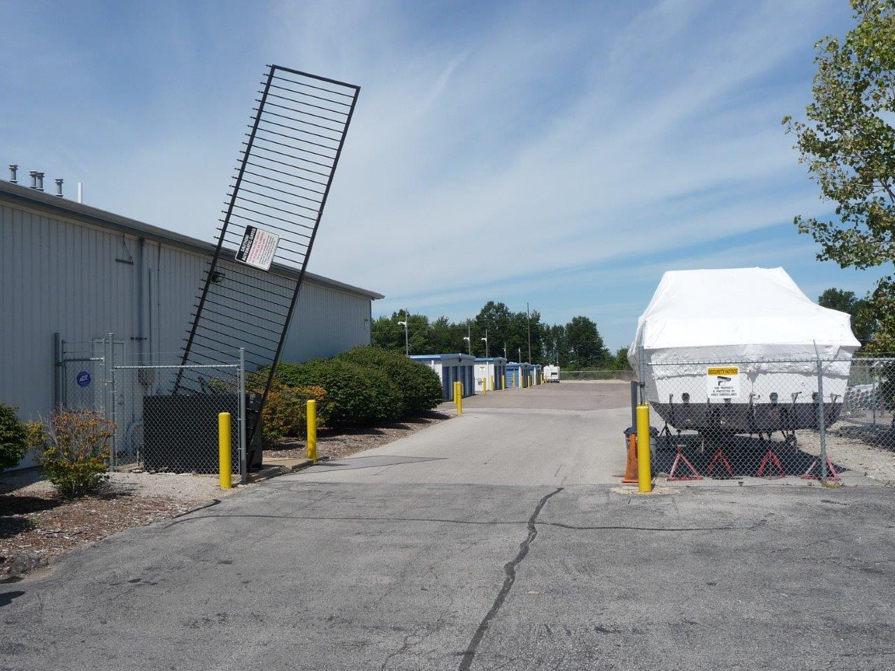 Vertical Pivot Gate Operator
